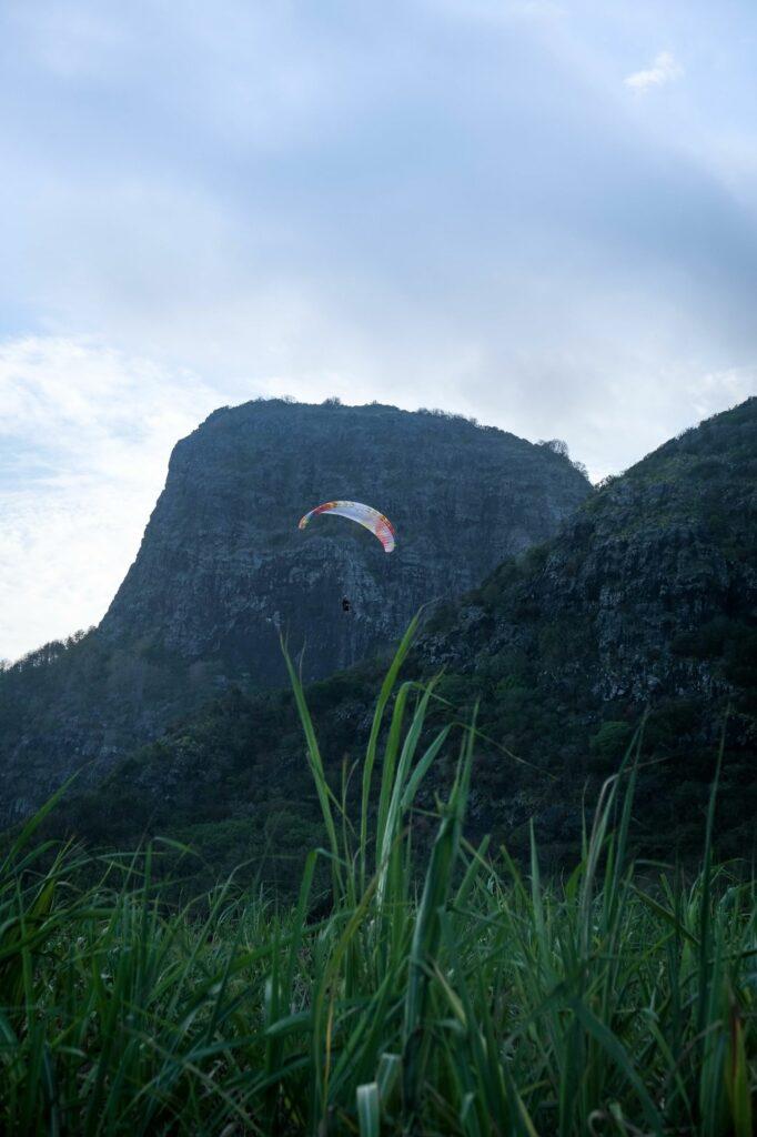 Parapente dans les airs - Ile Maurice