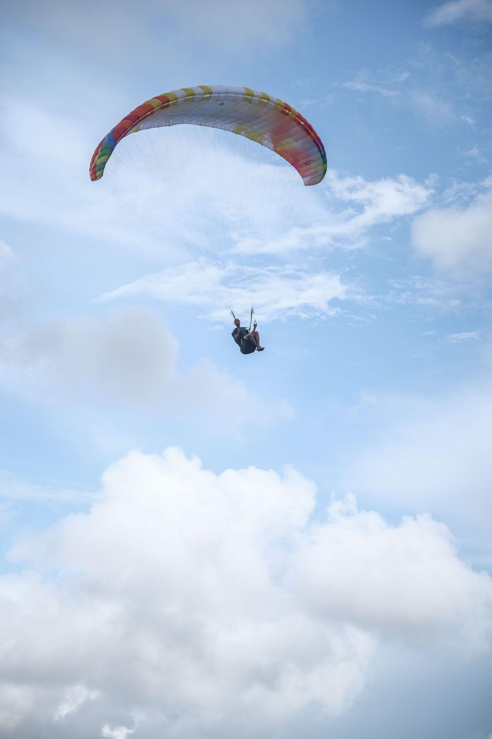 Parapente dans le ciel - Ile Maurice