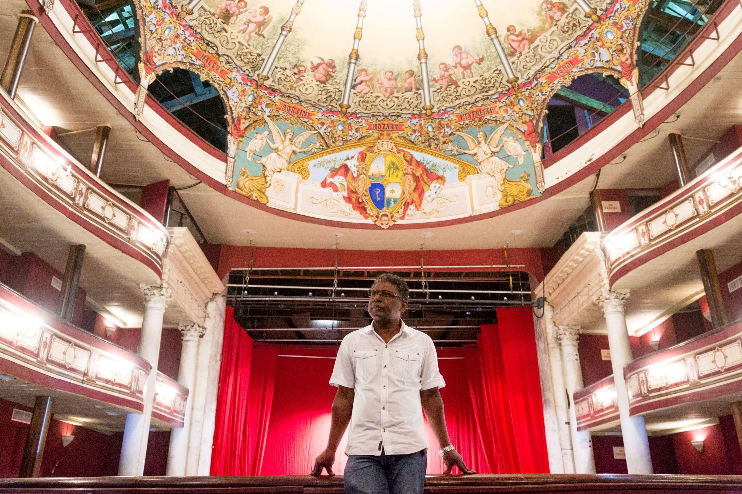 Eddy Lamour - Theatre de Port Louis